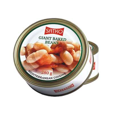 Giant beans in tomato sauce